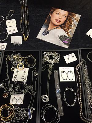 Jewelry3_300Pix